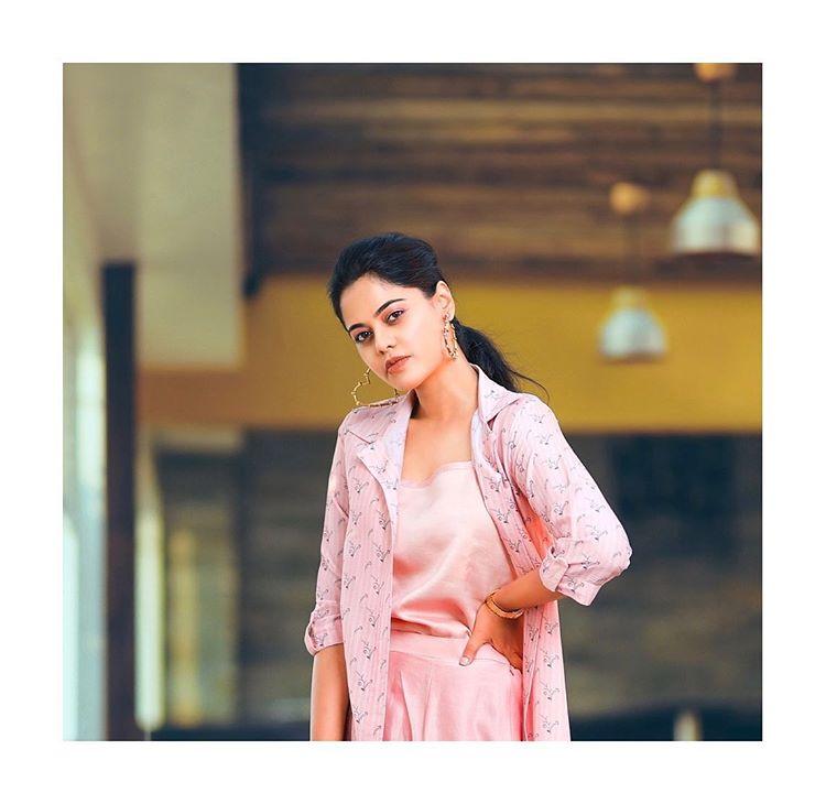 Bindu Madhavi Age, Images,  Boyfriend, Networth, Instagram, Biography